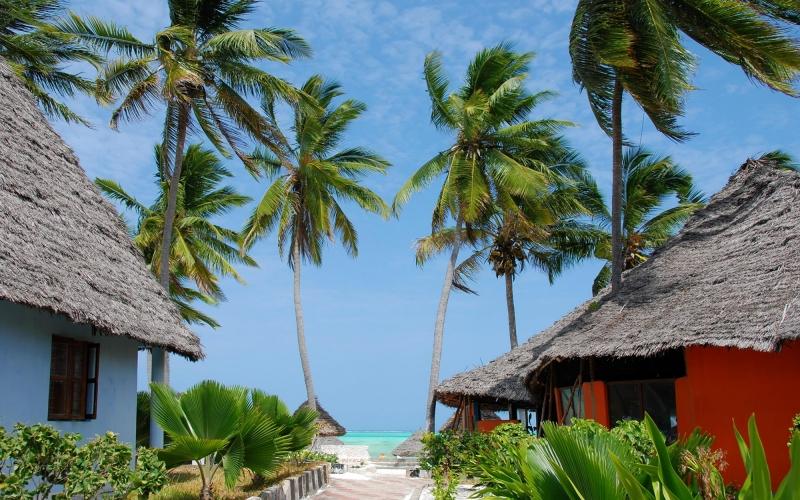 island-zanzibar-village-paje-92172709_3000x2078