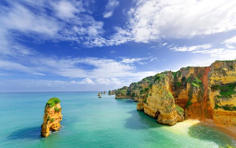 largos-alvarez-portgual-beach-and-rocky-landscape-471658863_3600x2381