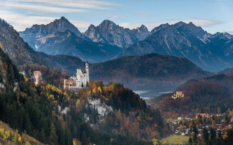 neuschwanstein-castle-and-hohenschwangau-castle-627764368_3865x2580