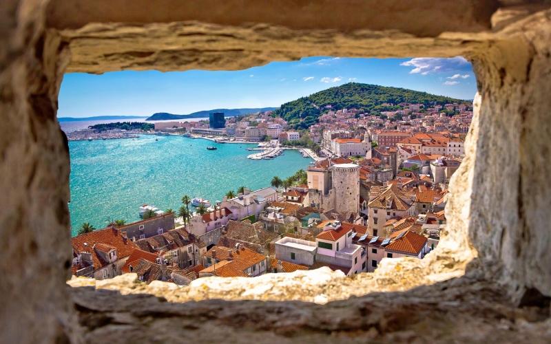 split-bay-aerial-view-through-stone-window-540115264_4300x2867