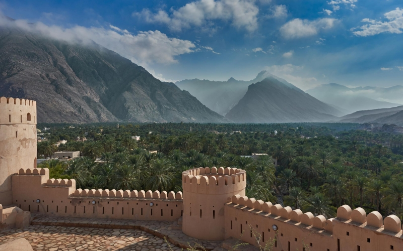 view-of-mountains-and-date-palms-538056600_3866x2581